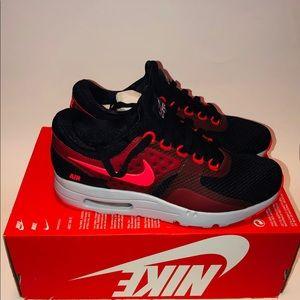 Nike Air Max Zero Essential Mens Sz 8